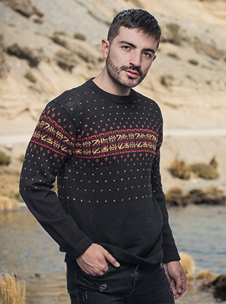 Black Alpaca Sweater - Monolitos