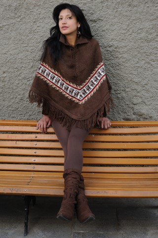 Alpaca Poncho - Brown