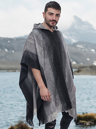 Black and Gray Soft Poncho Alpaca - Saltillo
