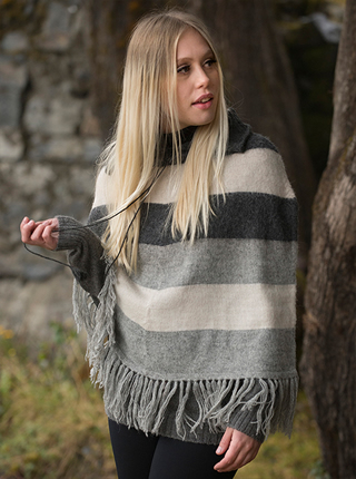 Poncho with lines in gray tones - Ayra